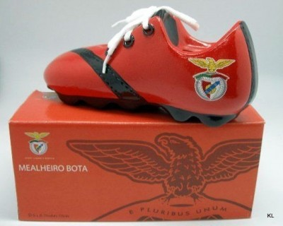 Mealheiro bota Benfica