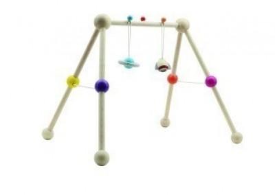 Plan Toys -  Ginásio de Actividades em madeira para Bébé