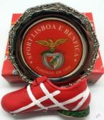 Chuteira com Salva S. L. Benfica