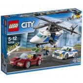 Perseguição na estrada da cidade de Lego - 60138